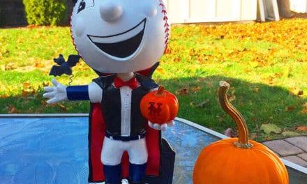 "Bobble of the Day ""Halloween Mr. Met"""