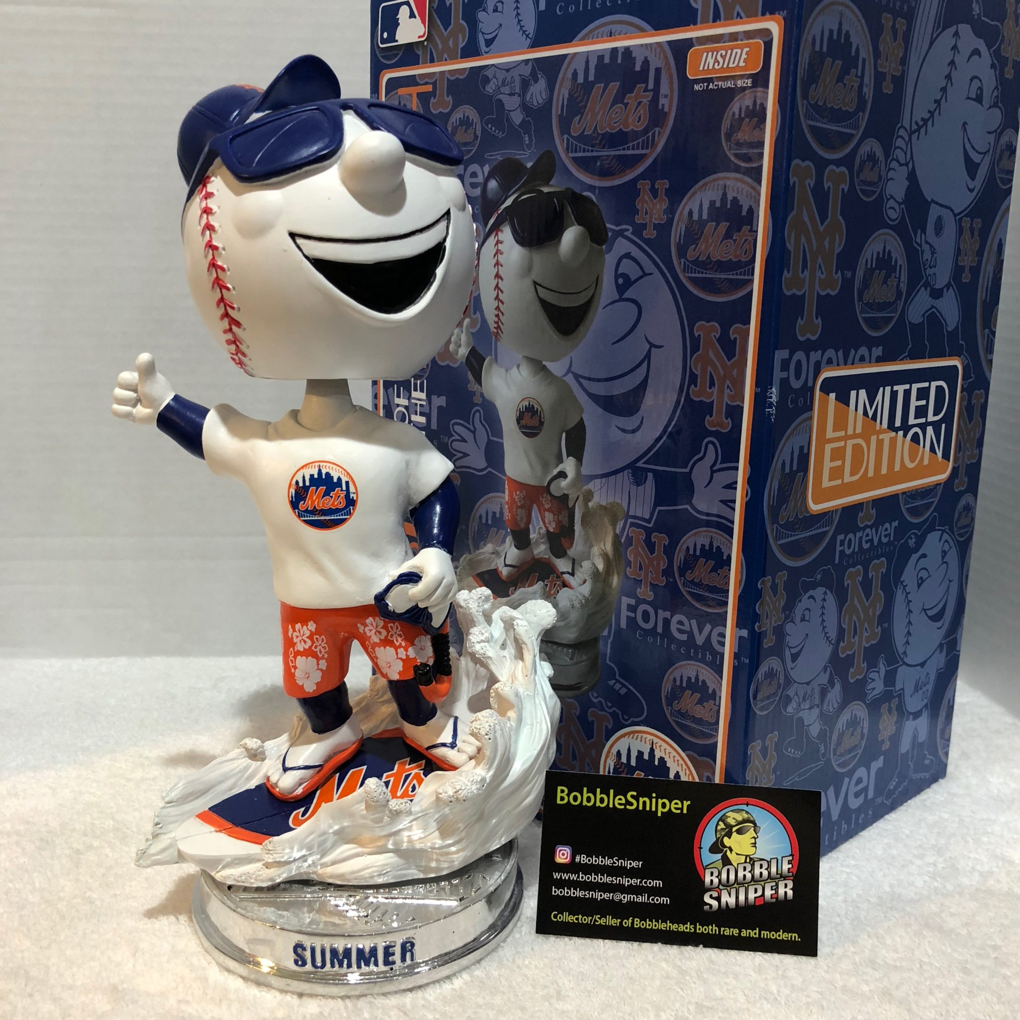 Summer Mr. Met
