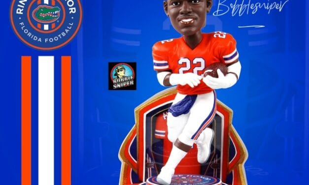 """Emmitt Smith Gets the Ultimate """"Ring of Honor"""" with a Florida Gator Bobblehead"""